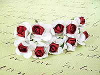 Декоративные бумажные цветочки розы  2,5 см  на ножке бело-бордовые, фото 1