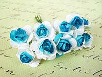 Декоративные бумажные цветочки, розы  10 шт. 2,5 см на ножке бело-голубого цвета, фото 1