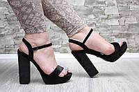 Босоножки велюровые черные на высоком каблуке