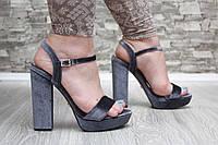 Босоножки велюровые серые на высоком каблуке