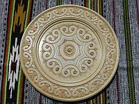 Різьбленна дерев'яна тарілка з інкрустацією ручної роботи в асортименті 32 см