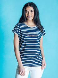 Стильна жіноча футболка у смужку