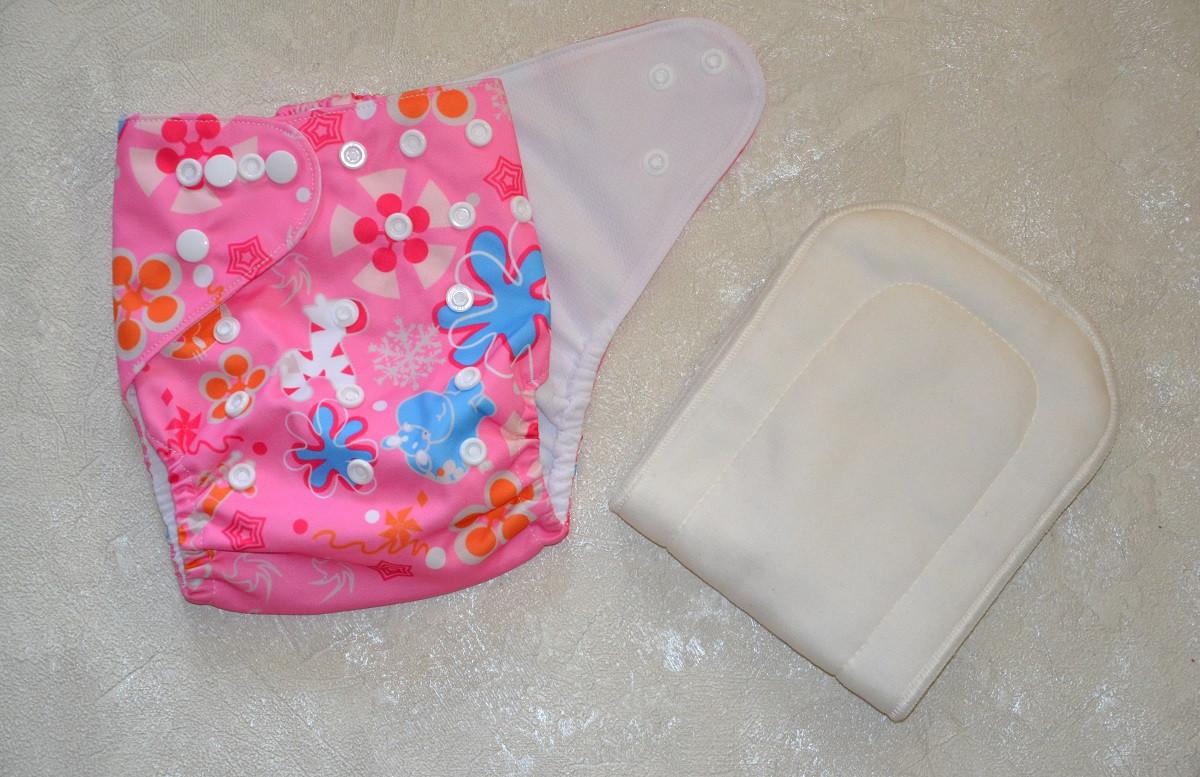 Многоразовый подгузник летний для девочки.