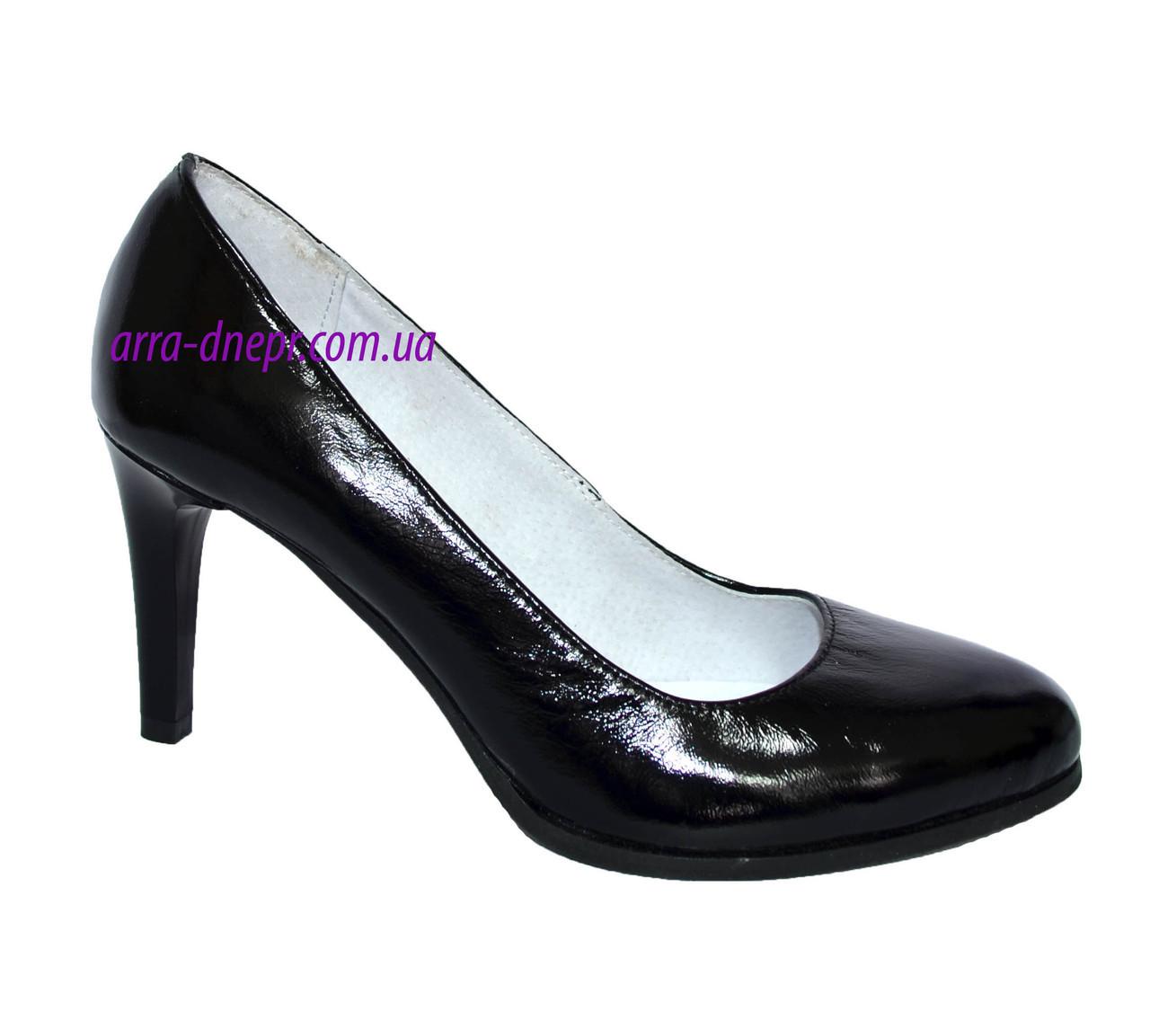 Женские классические лаковые черные туфли на шпильке!