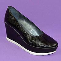"""Женские туфли на устойчивой платформе, кожа питон. ТМ """"Maestro"""""""