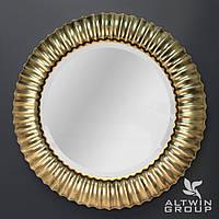 Настенное круглое зеркало в золотой раме