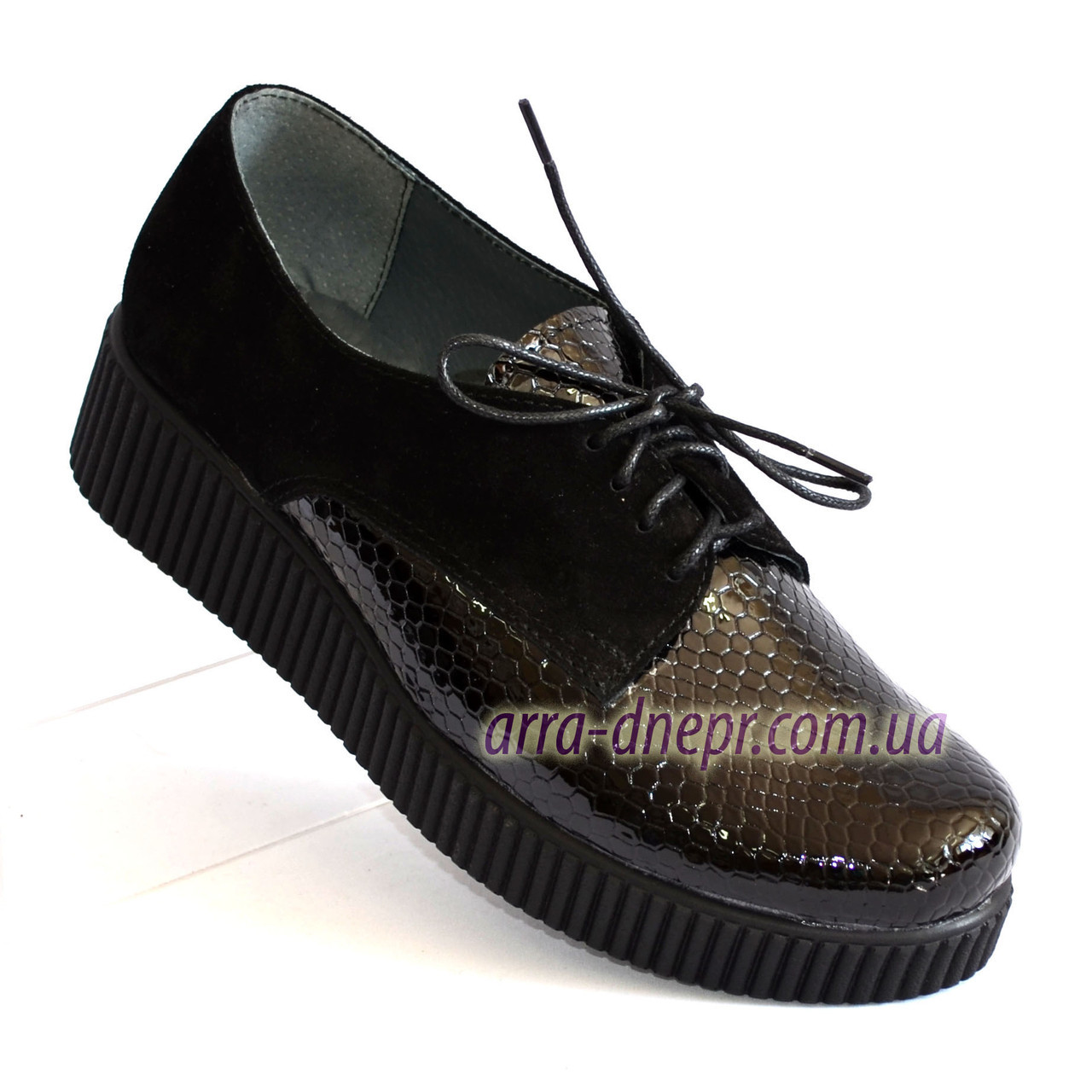 Женские туфли на утолщенной подошве, на шнуровке, натуральная замша и лак питон.