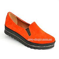 Туфли женские из натуральной замши оранжевого цвета на утолщенной подошве