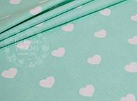 Лоскут ткани №752 с белыми сердцами на мятном фоне