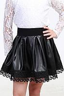 Черная кожаная юбка с кружевом для девочки 01