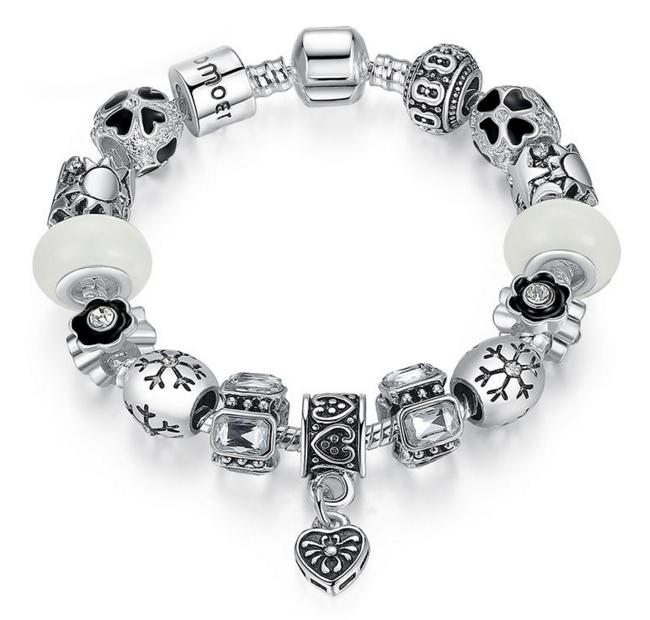Серебристый женский браслет