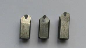 Вставка эльборовая 8 x12 мм. (угол 60°х60°) резьбовая 2139-0001