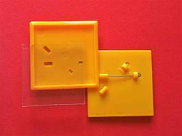 Квадратные акриловые значки заготовки. Цвет желтый. Размер фото 44х44 мм