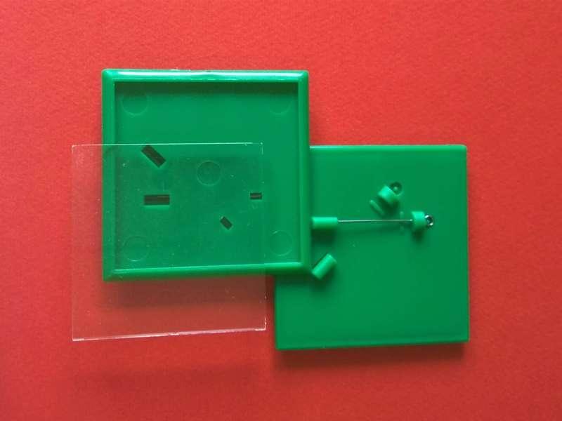 Заготовка для значков квадратная. Цвет зеленый. Размер фото 44х44 мм