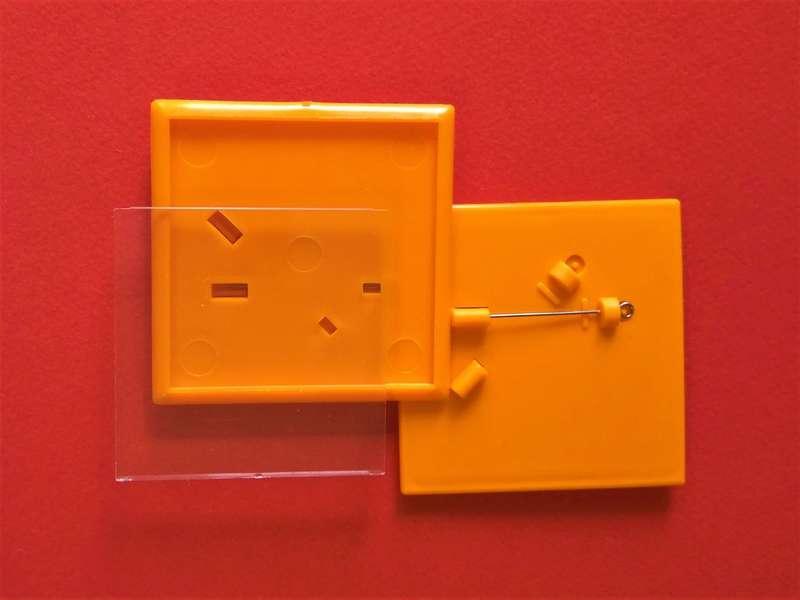 Квадратные заготовки для значков. Цвет оранжевый. Размер фото 44х44 мм