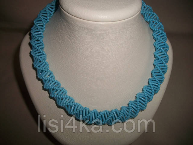 Ажурное объемное бирюзово-голубое колье на шею