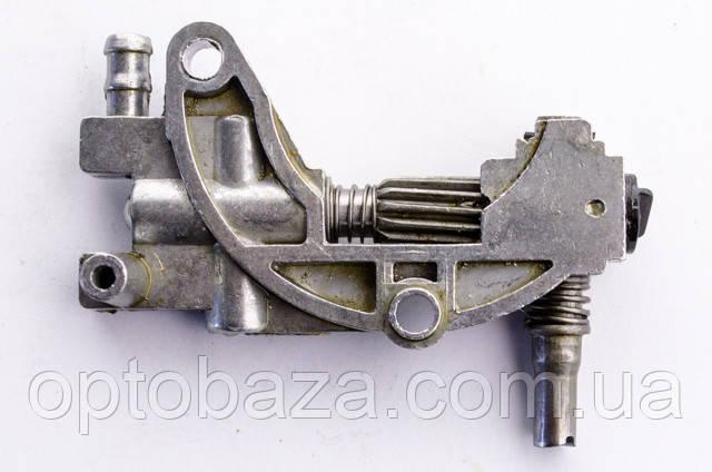 Насос масляный для бензопил серии 4500-5200