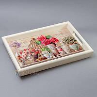 """Красивый деревянный поднос с керамической плиткой """"розы"""""""