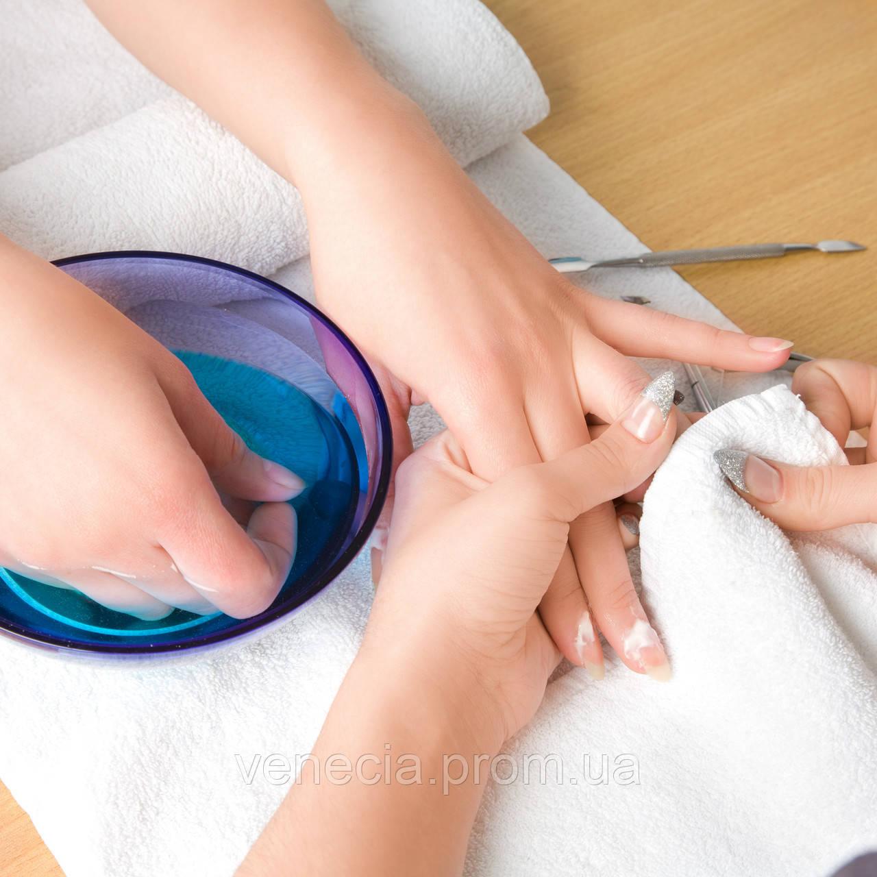 Чистка ногтей для маникюра