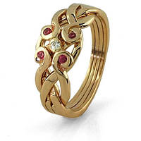 Женское золотое кольцо с рубинами и бриллиантами от Wickerring