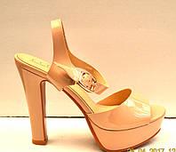 Босоножки женские Liici на каблуке бежевый/черный Li0012
