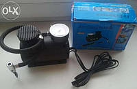 Автомобильный компакт.насос-компрессор для подкачки шин,мячей и т.д