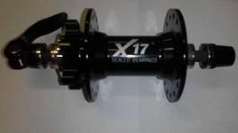 Втулка передн. X17 DH алюм. под Disk,10 мм эксцентр. пром.подшипн. 32отв. черн. РОЗПРОДАЖ