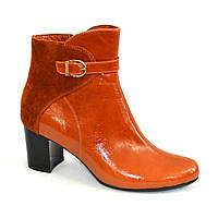 Женские рыжие ботинки на невысоком каблуке. Натуральный замш и кожа.