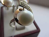Кольцо серебряное с золотыми вставками+жемчуг