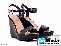 Модные женские босоножки Violeta Black на высокой платформе из силикона черные