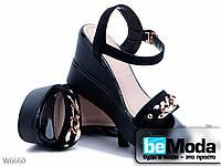 Модные женские замшевые босоножки ZDW Black с декоративной цепочкой черные