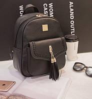 Молодежный городской рюкзак с кисточками и переплетом