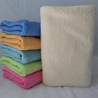 Махровое кухонное полотенце декорированое цветами