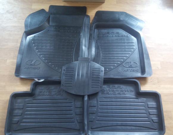 Коврики салона резиновые ВАЗ-2110 черные