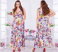 Легкое платье в пол с декольте, в цветочный принт.