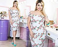 Повседневное летнее платье в цветах батал