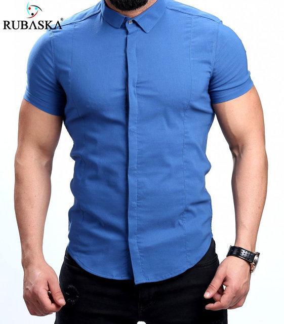 Нарядная однотонная мужская рубашка на короткий рукав цвета джинс
