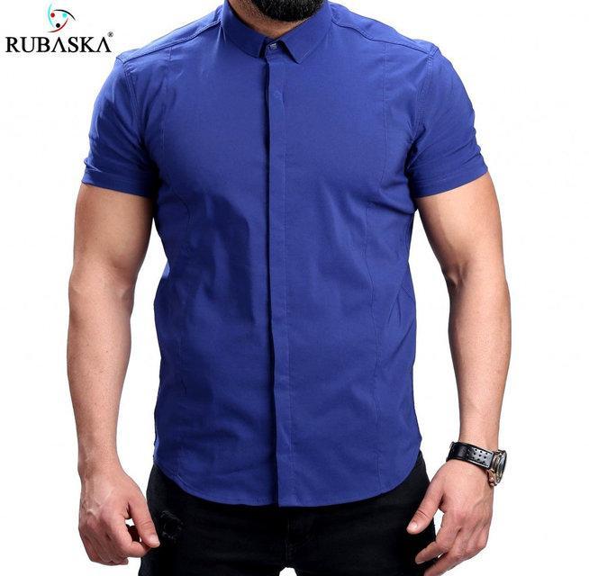 Стильная однотонная мужская рубашка на короткий рукав в цвете электрик