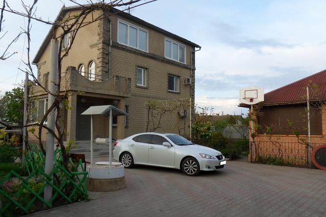 Продам 2-х этажный дом 2003 года постройки, Одесская область Овидиопольский район Александровка.