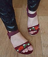 Сандалии бордо вышивка роза в наличии