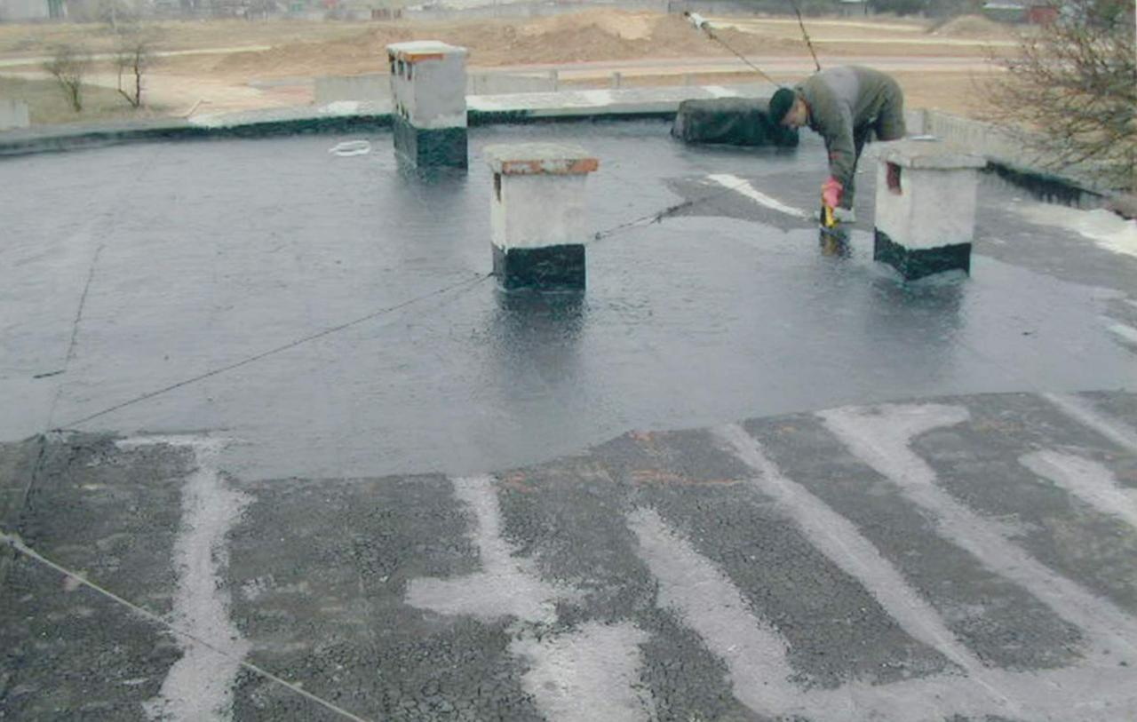 Ремонт и гидроизоляция кровли битумно-каучуковыми мастиками