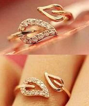 Стильное кольцо позолота