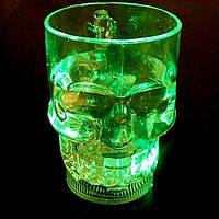 Светящийся бокал в виде черепа c LED подсветкой