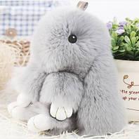 Заяц-брелок серый