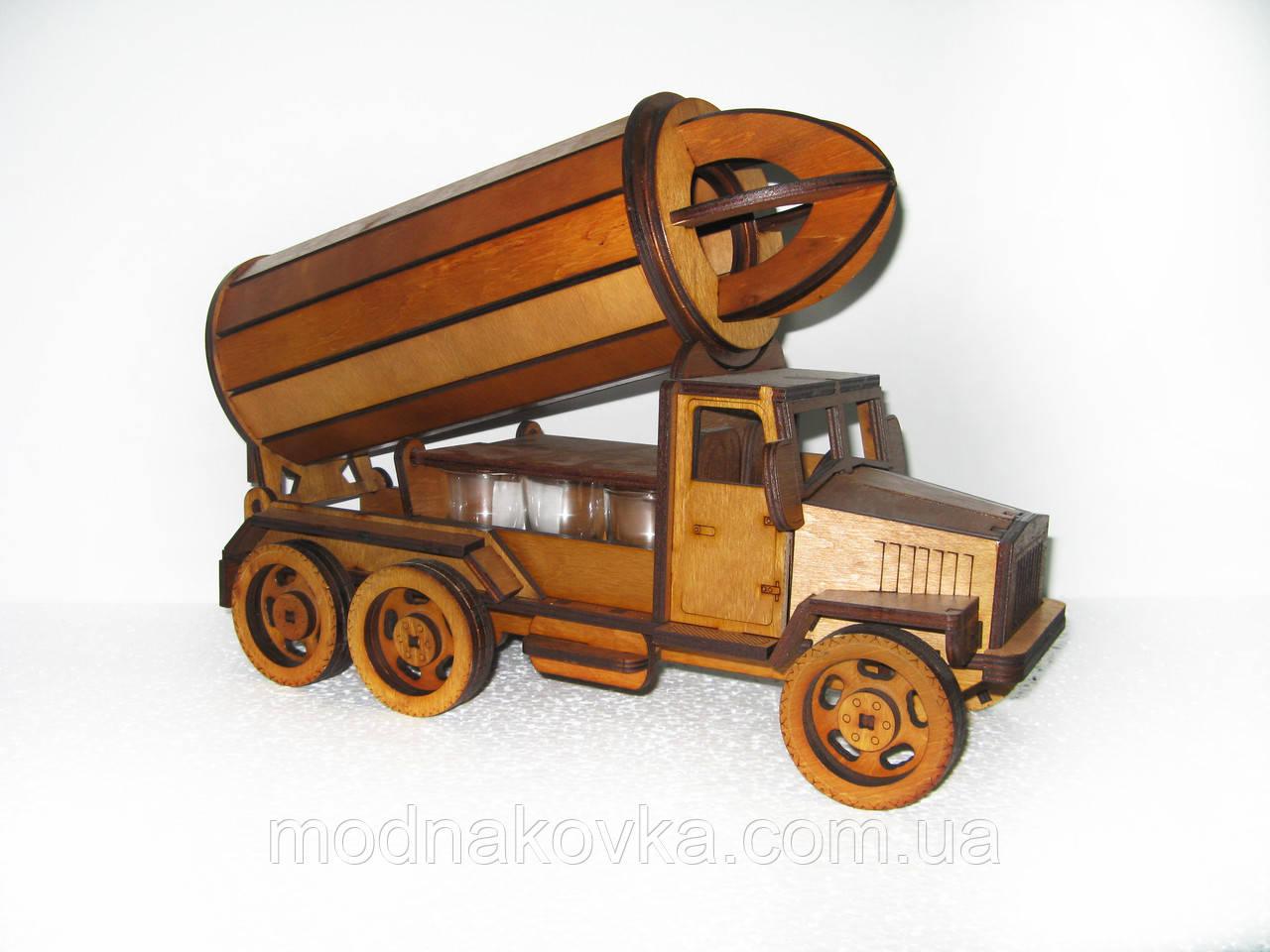 Мини-бар с рюмками деревянный Урал