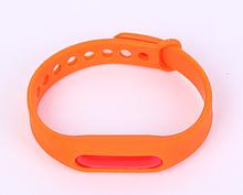 Защитный силиконовый браслет отпугиватель комаров