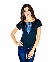 Жіноча футболка темно-синього кольору. Футболка з українським орнаментом. Жіночі сучасні футболки.