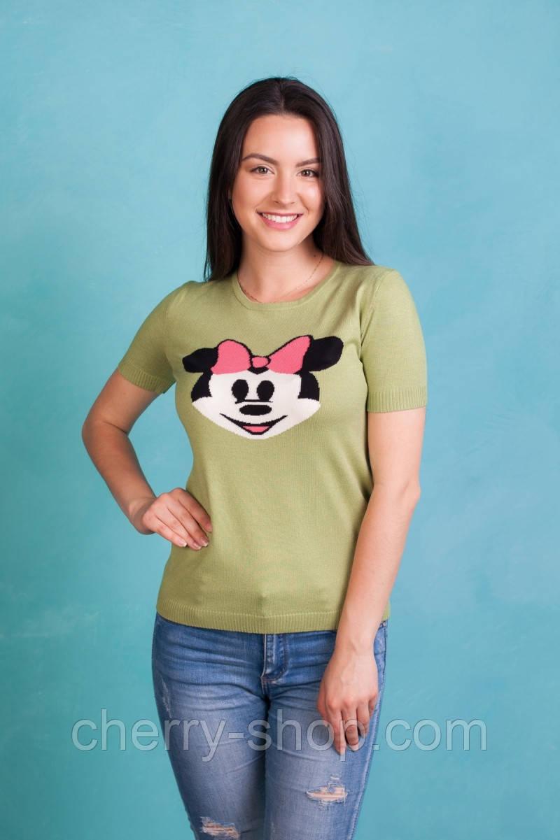 Милая оливковая футболка