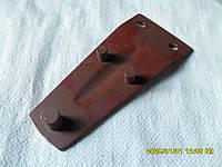 Держатель ножа косилки роторной (с малым отверстием)
