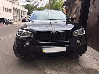 Решетка радиатора ноздри BMW X5 F15 стиль X5M (черный глянц)